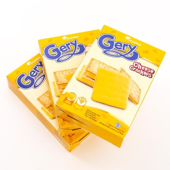 3 hộp bánh quy phủ phomai giòn tan béo ngậy