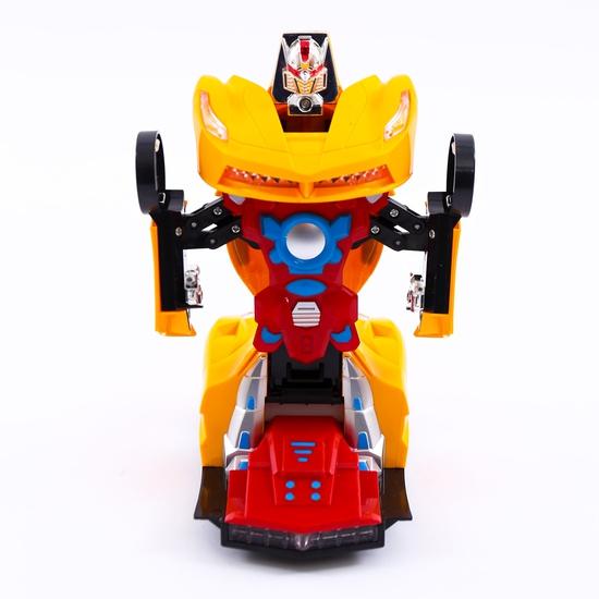 Ô tô biến hình robot - có thể di chuyển, phát sáng
