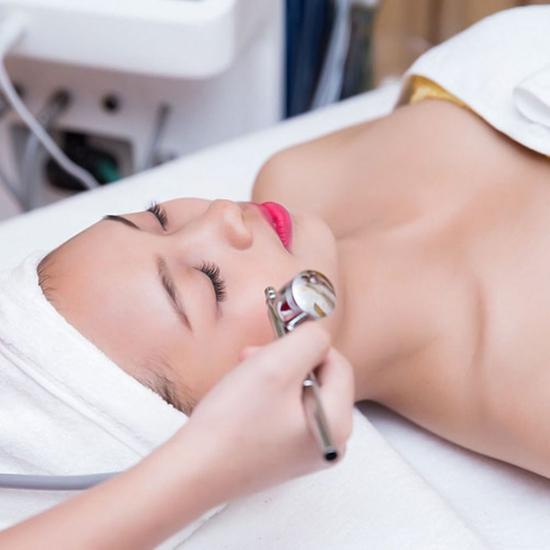 Đặc trị các loại mụn bọc, đầu đen, cám+ trẻ hóa da Xính Spa