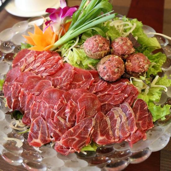 Lẩu riêu cua bắp bò, chả cá lăng Hong Kong cho 4N