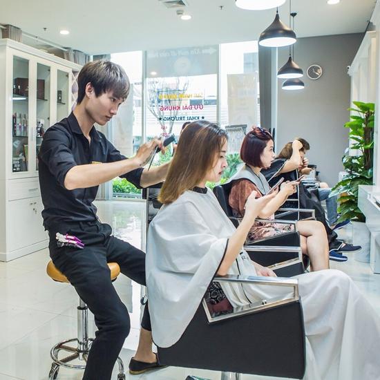 Cắt + Gội + Hấp tóc phục hồi công nghệ Ozon