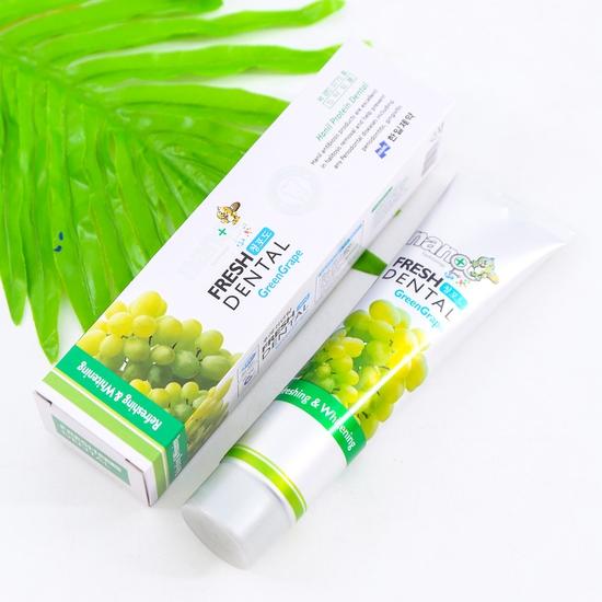 2 hộp kem đánh răng hương dứa và nho - NK Hàn Quốc