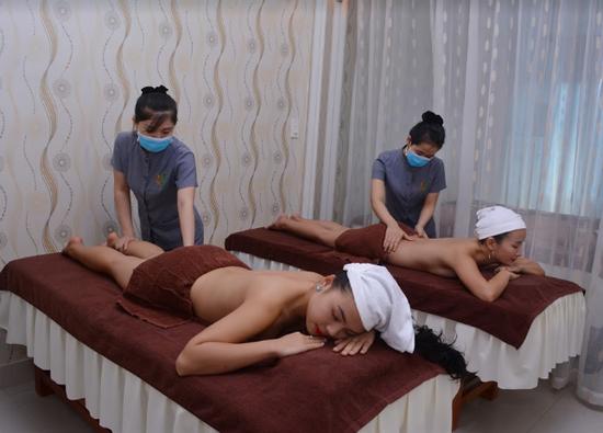 Hút chì thải độc tố cho da tại Lê Nguyễn Spa
