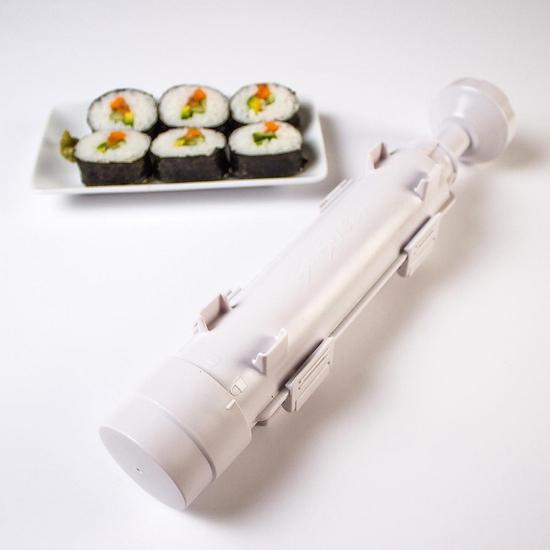 """Cuốn sushi với """"ống Bazooka"""" cực độc đáo"""