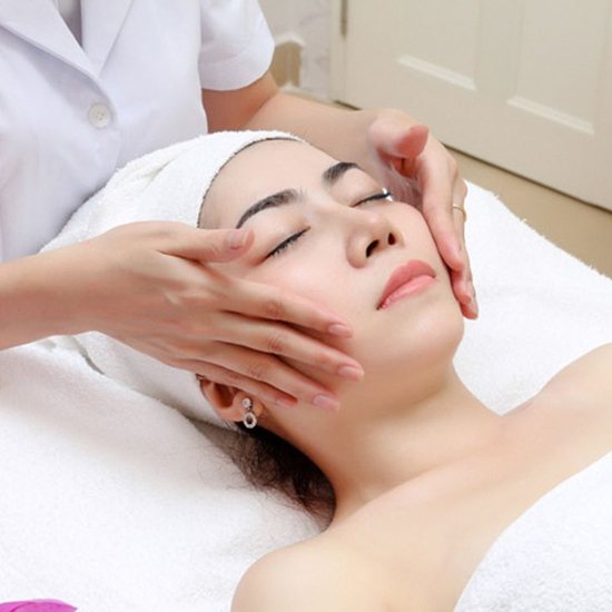 Chăm sóc mặt đẹp lung linh với 1 trong 3 dịch vụ Ngọc Ánh Beauty & Spa