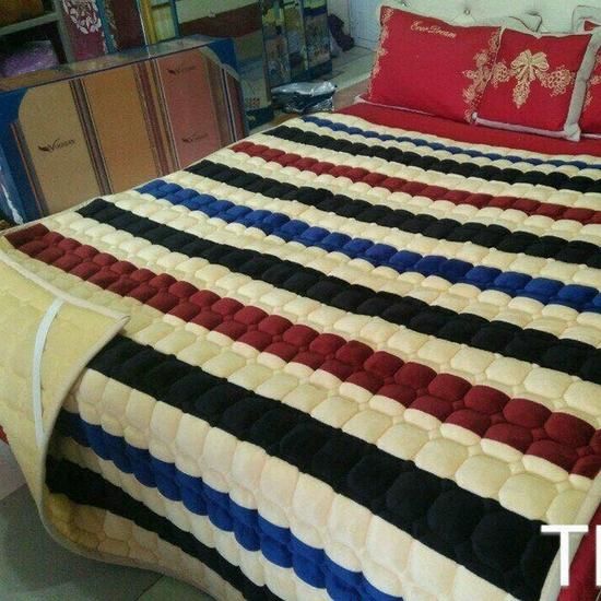 Thảm nỉ trải giường họa tiết 1,6x2m