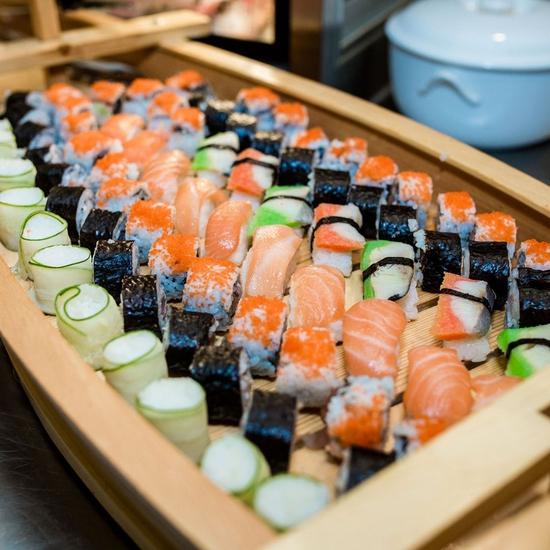 Buffet Sen Xanh cao cấp gần 300 món đặc sắc