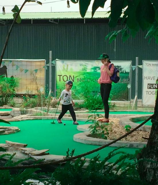 Voucher chơi gold tại Ton Mini Golf - 18 holes