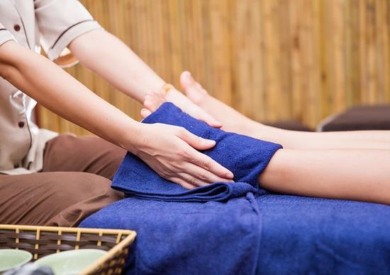 60 phút Massage Foot, đả thông kinh lạc, trị liệu đau nhức cổ, vai, gáy Thanh Hiền Luxury Spa