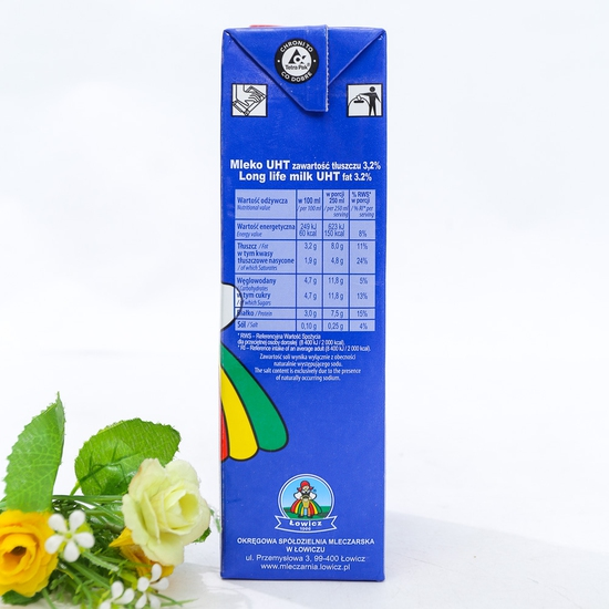 6 hộp sữa tươi tiệt trùng 3,2% chất béo- NK Ba Lan
