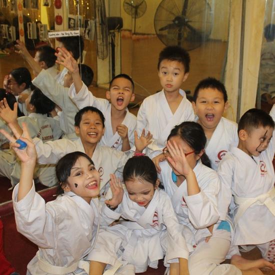 Khóa học Karatedo tại Hệ thống Võ Thuật Ngự Long