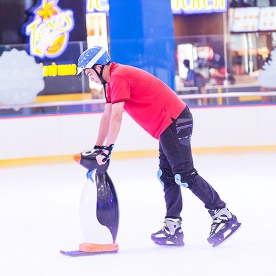 Vé trượt băng người lớn - Sân Vincom Royal City