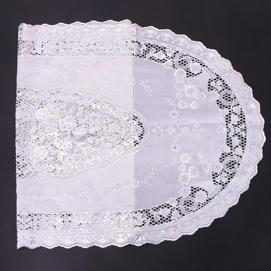 02 khăn trải bàn dập hoa nổi sang trọng (50x110cm)