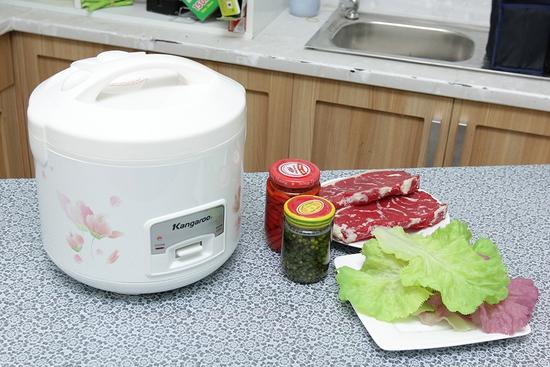 Nồi cơm nắp gài Kangaroo KG377 1.8 lít