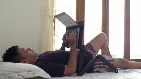 Bàn xoay laptop xoay 360 độ có quạt tản nhiệt