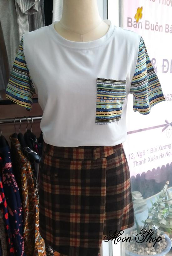 Áo Thun Cotton Phối Sọc Màu Năng Động