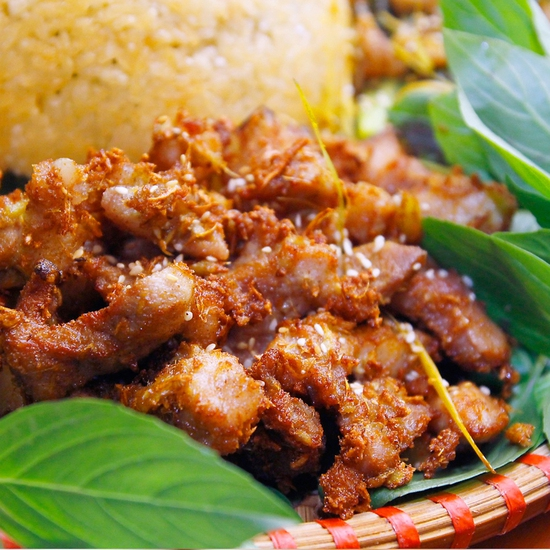 Đặc sản Lợn mán mẹt 9 món đầy đặn cho 4N Mộc Quán