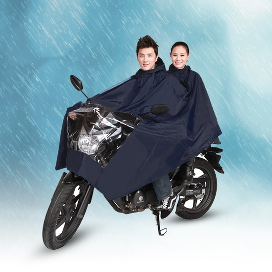 Áo mưa đôi Tumi - cho những cơn mưa bất chợt