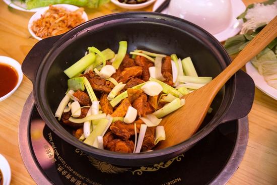 Set lẩu vịt khô và các món ngon tại NH Phong Quán cho 2 -3 người