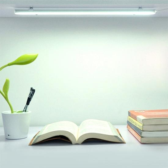 Đèn led thanh sạc điện f1 gọn gàng chống cận