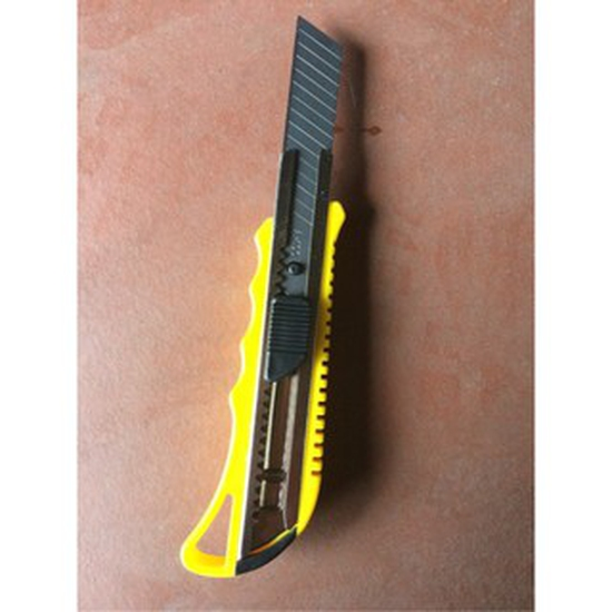 Combo 2 dao dọc giấy Cutter Knife loại lưỡi lớn 18mm