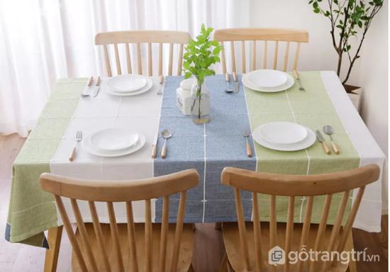 Khăn trải bàn ăn gia đình bằng vải cao cấp