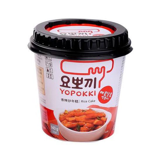 Bánh gạo Topokki vị cay ngọt Yopokki (Cốc 140g)