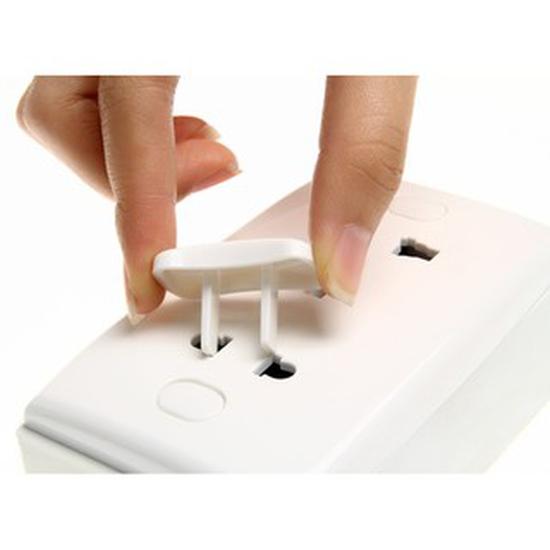 Nút bịt ổ điện 2 chân chống giật, an toàn cho bé