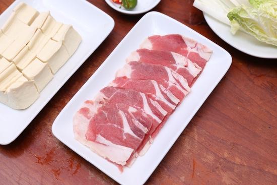 Buffet Lẩu Bò Mỹ thả ga và sét nướng hấp dẫn tại Nhà hàng Lẩu Hội Quán