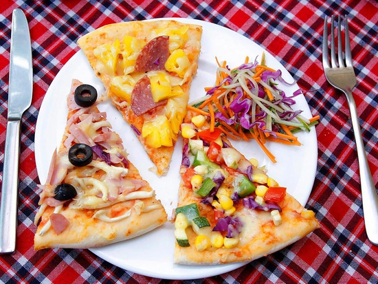 Ngon Hết Ý Với Pizza Size Lớn (Chọn 01 Trong 08 Vị) Giá Chỉ 93K Tại Pizza Hoa Ý