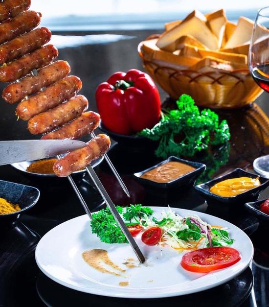 Buffet Nướng Brazil ngon đẳng cấp 24-26 Nguyễn Trường Tộ