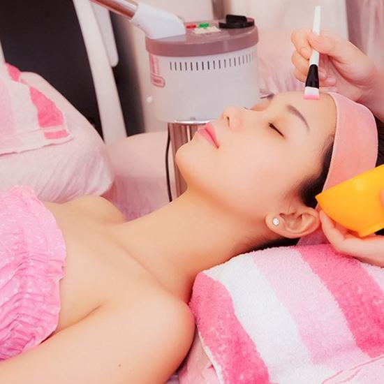 Massage+ thanh tẩy body +Chăm sóc da mặt Tại AHA Spa