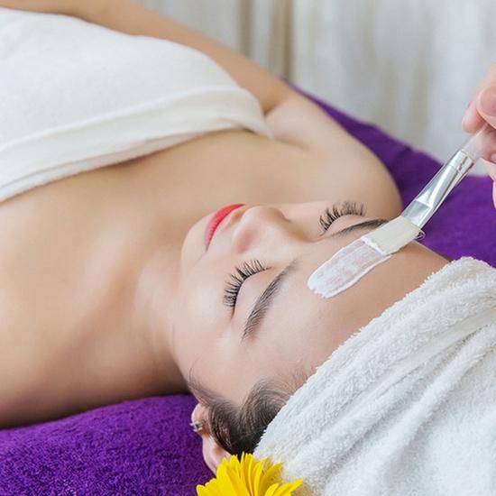 Massage body đá nóng + massage mặt cơ bản 90 phút
