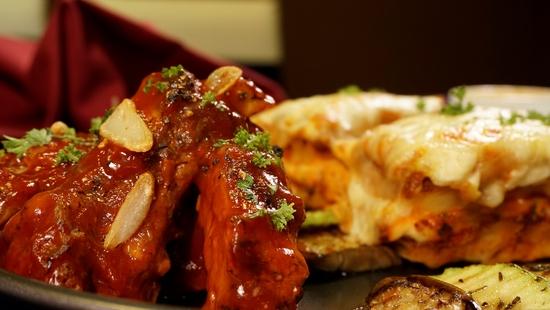 Combo chuẩn Âu: Sườn heo nướng sốt BBQ + Lasagne mỳ ống bò băm + Lẩu cheese Thụy Sĩ - View Hồ Gươm