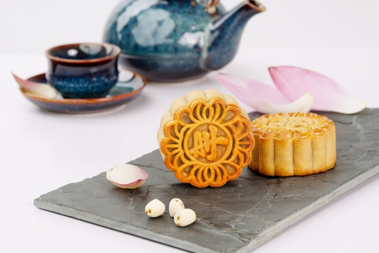Bánh Trung Thu Anh Hòa - Hộp 5 bánh 90gr Tím/Đỏ - Hương vị tình thân