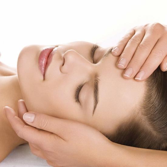 Phương pháp Ủ trắng mặt The Face làm đẹp da tại Nacharm spa