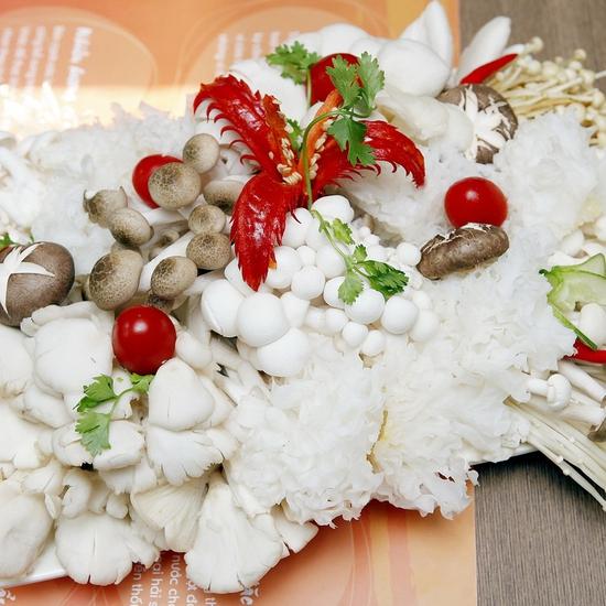 Butffet lẩu nấm Muru thanh ngọt, giàu dinh dưỡng