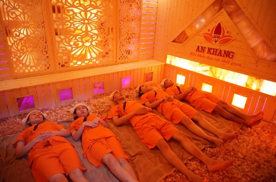 Combo 2 buổi xông hơi đá muối Đẳng cấp + Massage Body tại An Khang Spa