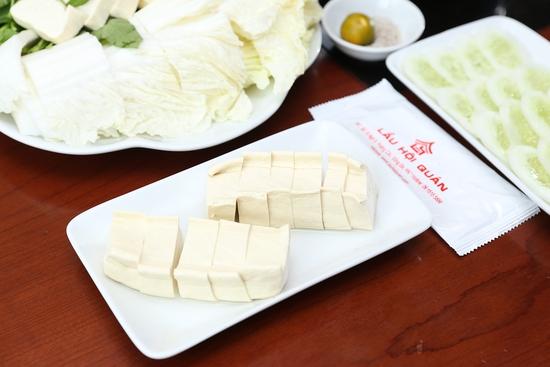 Lẩu đuôi bò hầm thuốc bắc cho 2 -3 người tại Nhà hàng Lẩu Hội Quán