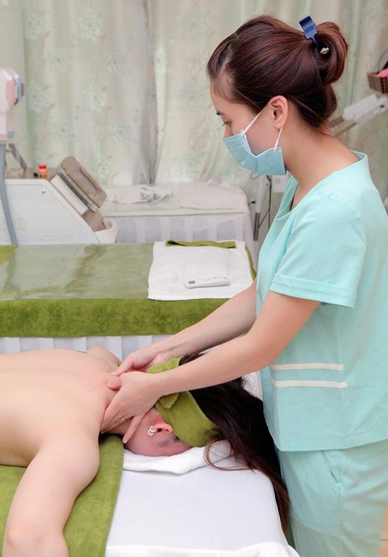 60 phút Massage cổ vai gáy, đả thông kinh lạc-Tặng 1 buổi Massage chân & đá muối - Golden Moon Spa