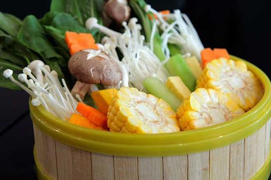 Lẩu hơi nhiều món thơm ngon bổ dưỡng tại Lẩu Sauna Cường Thịnh