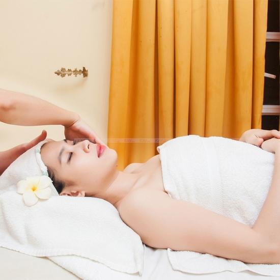 Massage, chải thông kinh lạc đặc trị đau mỏi tại Thu Trúc Spa