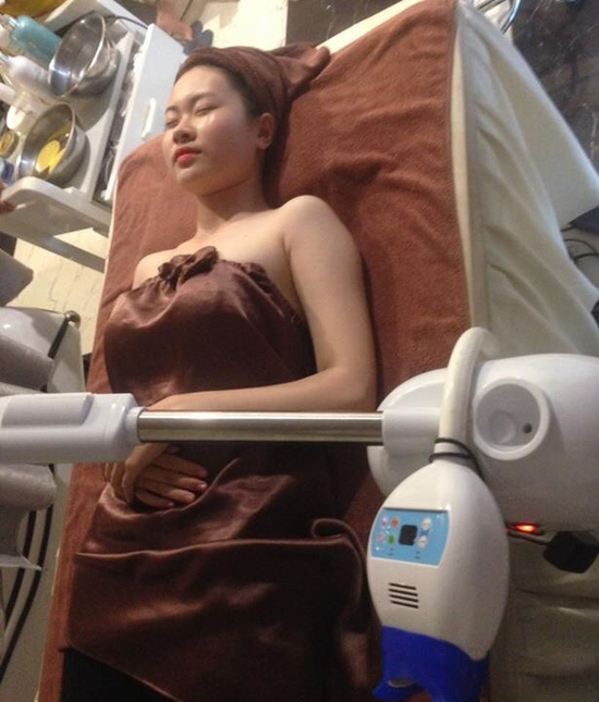 Giảm éo bụng CN điêu khắc body mới nhất kết hợp nằm phi thuyền hồng ngoại tại An Nhi Spa