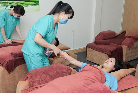 60 phút Massage xua tan mệt mỏi bằng phương pháp Nhật tại Xuka Foot Massage - Không Nhận Tips