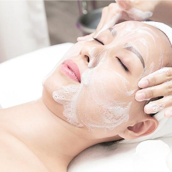 Điều trị mụn công nghệ cao cho làn da sáng mịn tại Gemma Spa