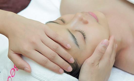 Chăm sóc da chuyên sâu, cấp ẩm, trẻ hóa da bằng Công nghệ Thủy phân nước  tại Cham Beauty Spa
