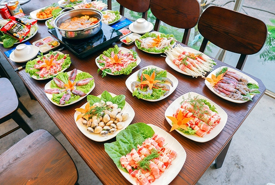 Buffet lẩu không giới hạn tại Nhà hàng Ẩm Thực Việt - Tặng Coca