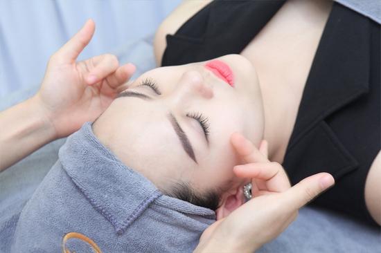 Massage Body đá nóng + Chăm sóc da mặt + Ngâm chân thuốc bắc + Trị liệu cổ vai gáy  tại Camellia Spa