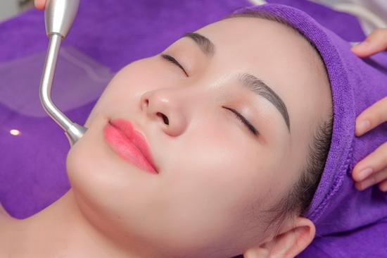 Đào thải chì độc tố bằng Oxy Nano Sun White 3in1 tại Trang Baeauty & Spa