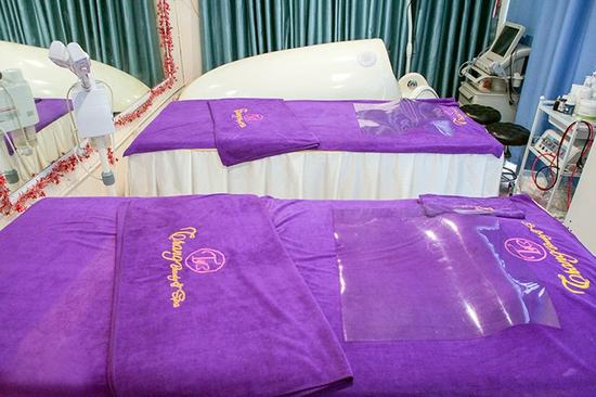 Tắm trắng thảo dược và dưỡng trắng bằng phi thuyền tại Trang Beauty & Spa